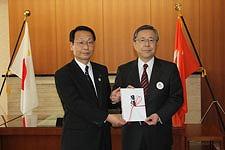 「福島県交通遺児奨学基金協会」へ募金を贈呈
